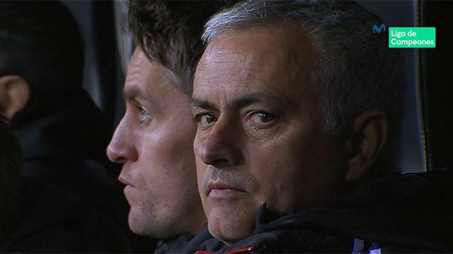 La cara de Mou tras el gol en propia de Jones: ¡No se lo puede creer!