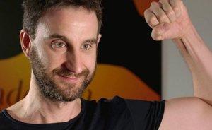 Dani Rovira continúa luchando contra el cáncer sin perder su sentido del humor