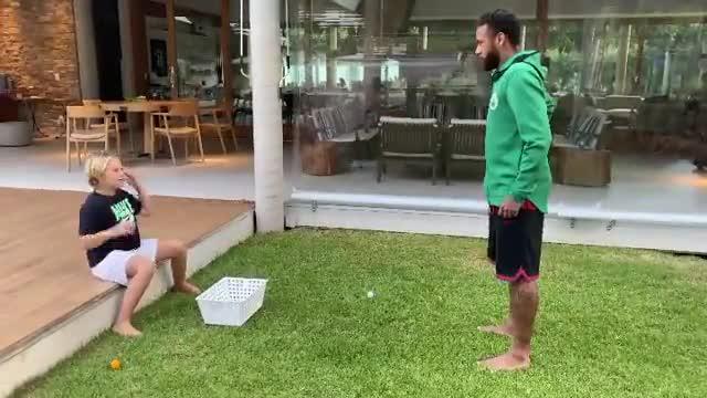 El divertido troleo de Neymar a su hijo