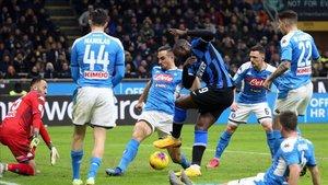 Duelo de Serie A entre Inter y Napoli