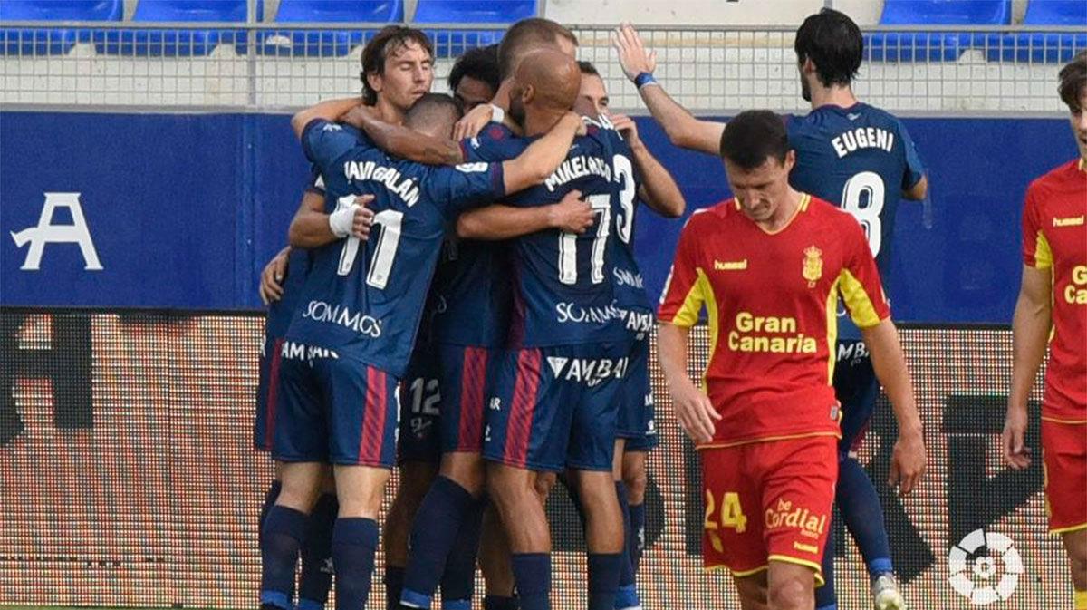 El Huesca dormirá en puestos de ascenso directo