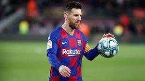 Messi y el balón mantienen un idilio eterno