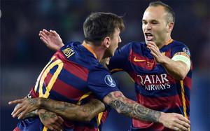 Messi e Iniesta, con la Supercopa de Europa, suman ya 25 títulos como jugadores del FC Barcelona, como Xavi Hernández