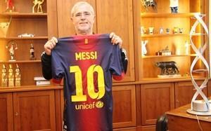 Messi sigue acercándose a los impresionantes números que firmó Müller como profesional