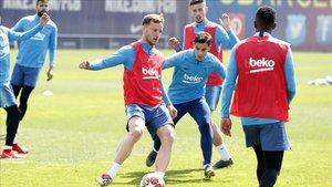 Rakitic y Coutinho pueden abandonar el Barça