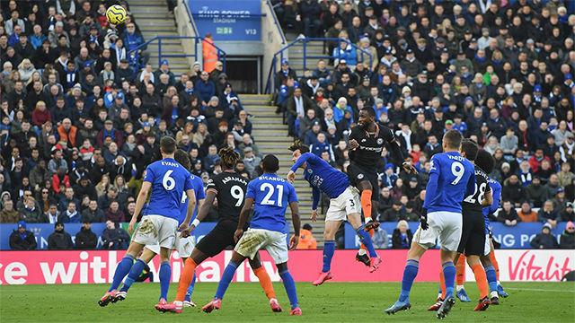 Rüdiger da dos puntos al Chelsea frente al Leicester