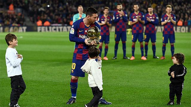 El tierno momento de Messi con sus hijos y el Balón de Oro