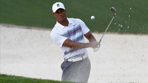Tiger Woods lanzará un libro autobiográfico titulado Back