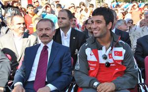 Turan, el día de la presentación del campo de fútbol con su nombre