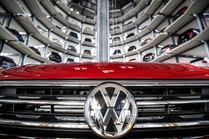 Almacén de coches en la sede de Volkswagen en Wolfsburgo.