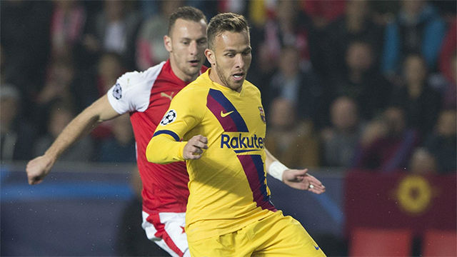 Arthur se disfraza de mago para asistir a Messi