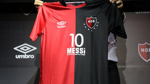 Esta es la camiseta que viajará a Barcelona