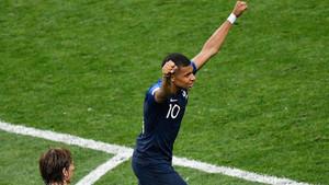 Kylian Mbappé logró el cuarto gol de los campeones