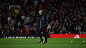 Mourinho está cuestionado en el Manchester United