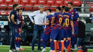 Quique Setién, en la pausa de hidratación ante el Atlético