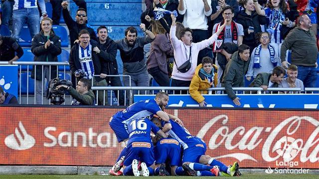 Rodrigo Ely da tres puntos al Alavés en el descuento que puede valer la salvación
