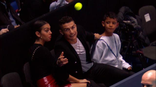 Ronaldo, de futbolista... ¿a recogepelotas?
