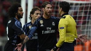 Sergio Ramos se libró de la amarilla en Munich