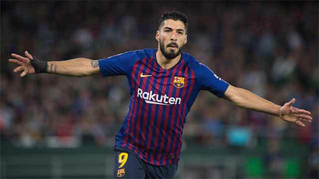 Suárez quebró la cadera de Bartra y recordó al mejor Ronaldo con el slalom perfecto para el 3-0