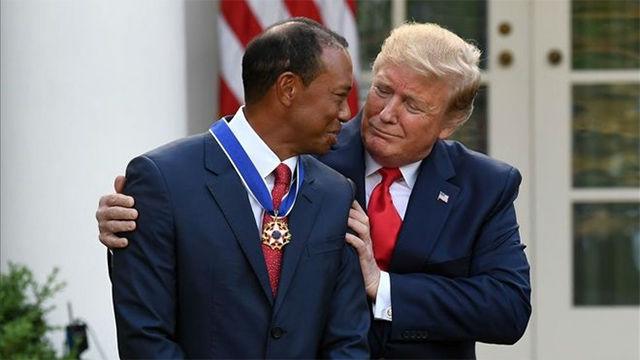 Trump concede Medalla de la Libertad a Tiger Woods
