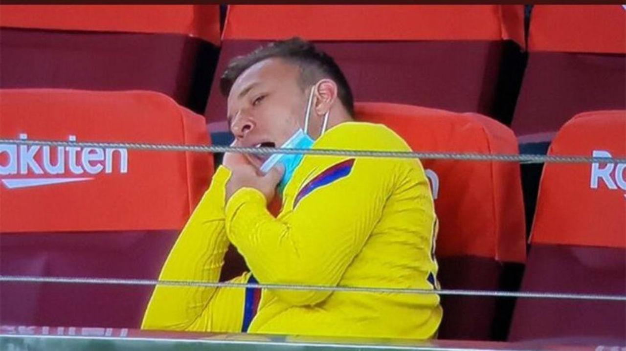 Una imagen vale más que mil palabras: Arthur ejemplifica al Barça tras el parón