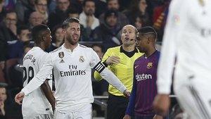 Apelación mantiene la amonestación de Mateu Lahoz a Sergio Ramos