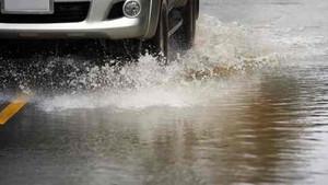 Aquaplaning, un fenómeno habitual pero muy peligroso.