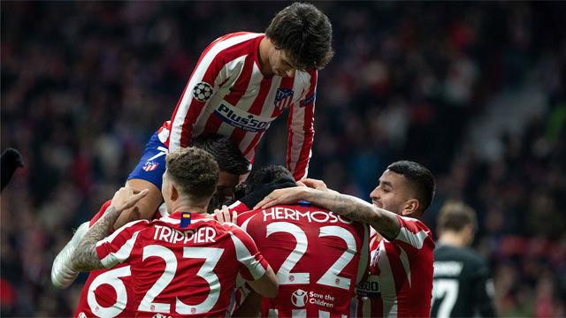 El Atlético tira de garra para colarse en octavos