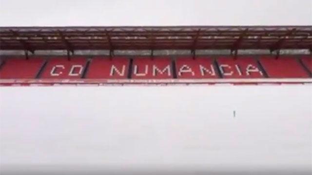 El campo del Numancia completamente nevado
