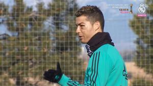 Cristiano Ronaldo durante el entrenamiento del Real Madrid previo al partido de vuelta de los cuartos de final de la Copa contra el Leganés