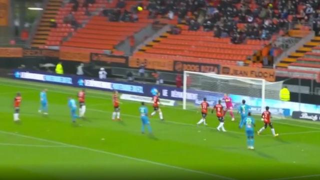 ¡Cuidado con el efecto óptico! ¿Sabrías explicar este gol del Marsella viéndolo una sola vez?