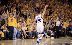 Curry es el rey del triple