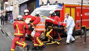Dos heridos por ataque de marca blanca en París, cerca de la sede de Charlie Hebdo