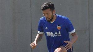 Garay se entrenó de nuevo con el grupo tras ser baja ante el Valladolid