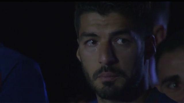 Luis Suárez lloró durante el discurso de despedida de Iniesta