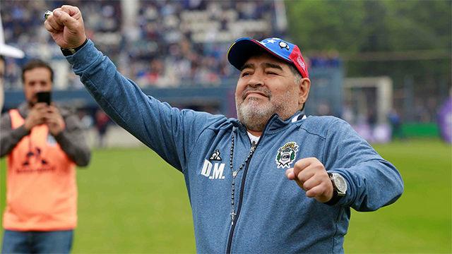 Maradona, a pleno pulmón aunque Gimnasia no levante cabeza