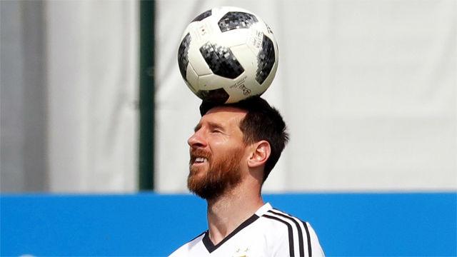 Messi se divierte en el entrenamiento de Argentina