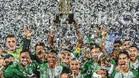 Nacional, con el trofeo de campeón de la Recopa Sudamericana