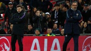 Pochettino y Sarri en la banda de Wembley