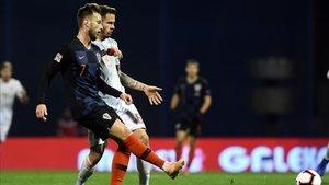 Rakitic se ha lesionado y regresa a Barcelona