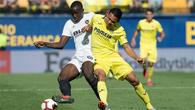 El Valencia sobrevive a La Ceramica pese a jugar con uno menos