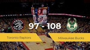 Victoria de Milwaukee Bucks en el Scotiabank Arena ante Toronto Raptors por 97-108