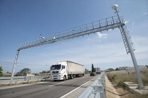 Control 8Radar situado en el tramo de la autopista que va desde Sant Carles de la Ràpita a Amposta.