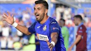 Ángel Rodríguez celebrando el tanto de la victoria