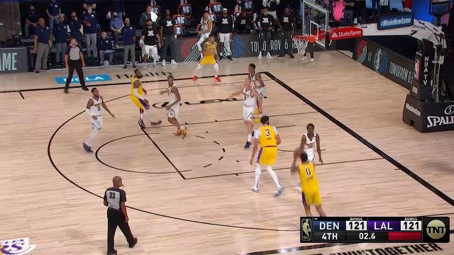 Así fue el triple ganador de Kuzma para los Lakers