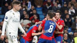 El CSKA Moscú gana por 0-2 al descanso en el Bernabéu