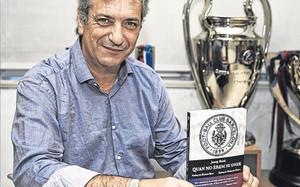 Josep Bobé pasó por SPORT y habló de su libro `Quan no érem ni onze¿