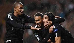 Neymar, junto a Mbappé y Cavani