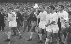 El Real Madrid reeditó el título de campeón de Europa ante la Fiorentina en el Bernabéu