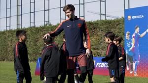 Sergi Roberto apadrina el torneo del FCB Escola